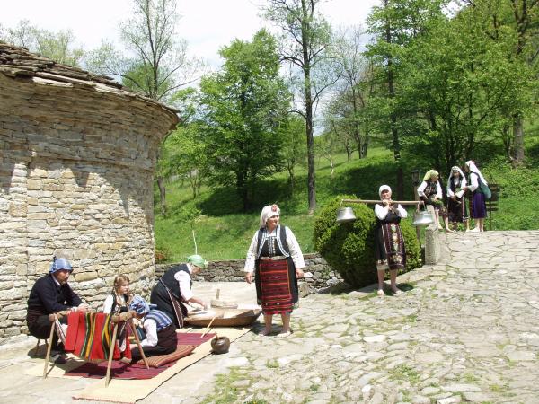 """Читалището с номинация по програма """"Живи човешки съкровища – България 2010"""" на ЮНЕСКО"""